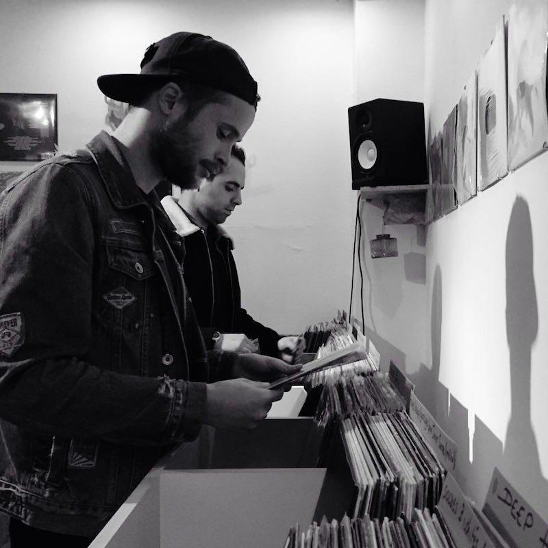 vinyl dealer